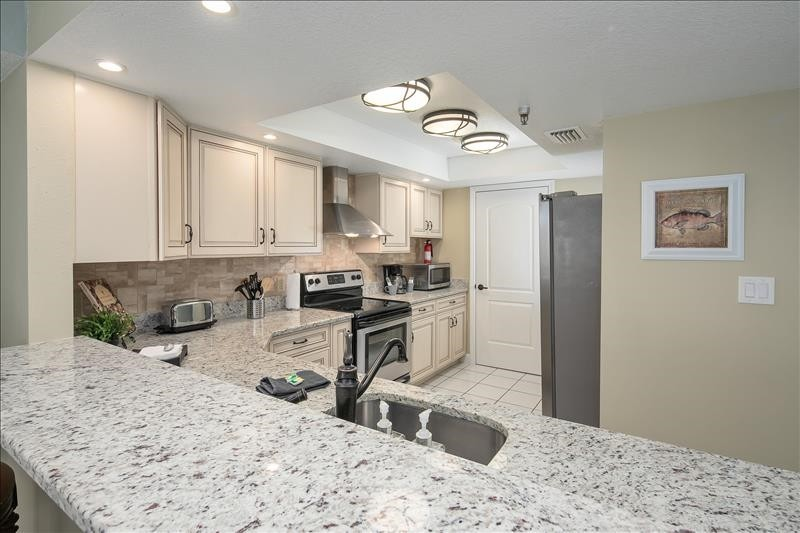 Spacious and Updated Gourmet Kitchen!