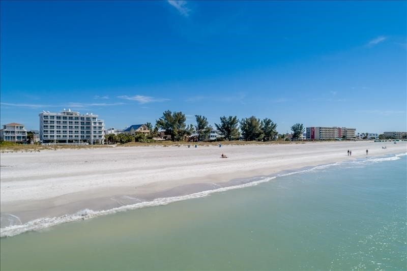 Located directly on Treasure Island Beach