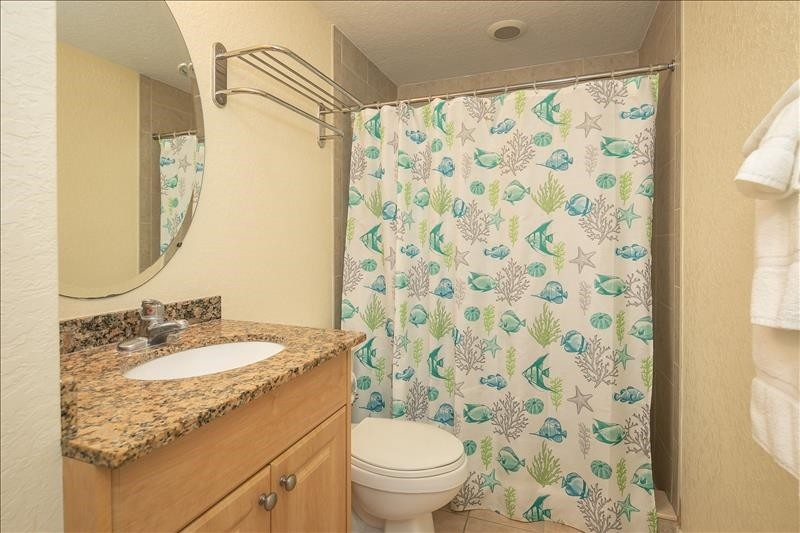 hall bath with step in shower