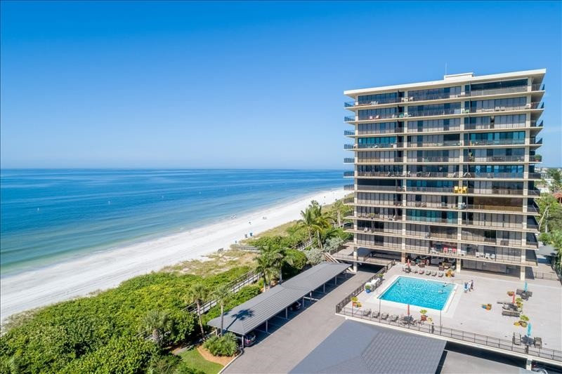 Prime location on beautiful Sunset Beach!
