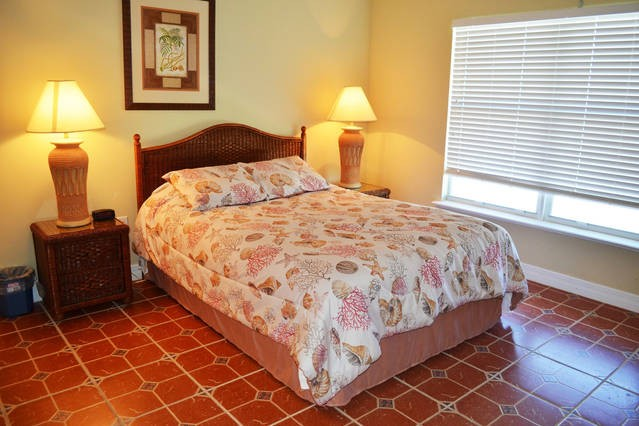 spacious guest bedroom, split floor plan